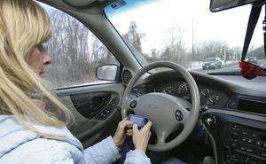 Tráfico propone un 'modo coche' para los teléfonos móviles