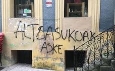 El Ayuntamiento de Ordizia denuncia 46 pintadas en el casco histórico
