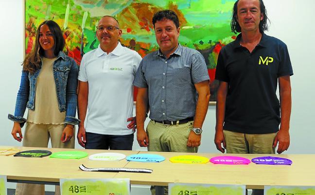 Nuevo récord de participación en la travesía Getaria-Zarautz