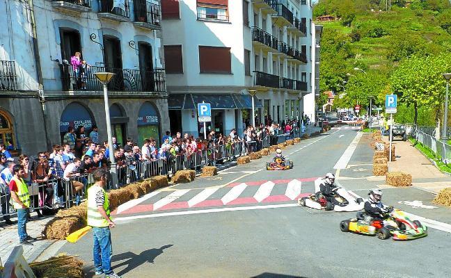 Nueve pilotos locales participan hoy en la V Exhibición de karting y minimotard