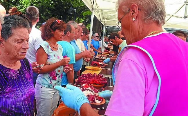 La colonia gallega se dará cita mañana en la pradera de Iñurritza