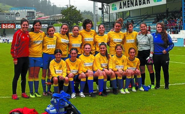 El Urola anima a jugar al fútbol a chicas de todas las categorías