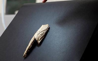 Descubren en Mendaro un colgante prehistórico que solo tenía un precedente en Urdax