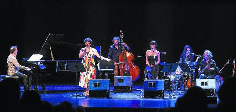 Doce 'bonitas' para Mikel Laboa en el Jazzaldia