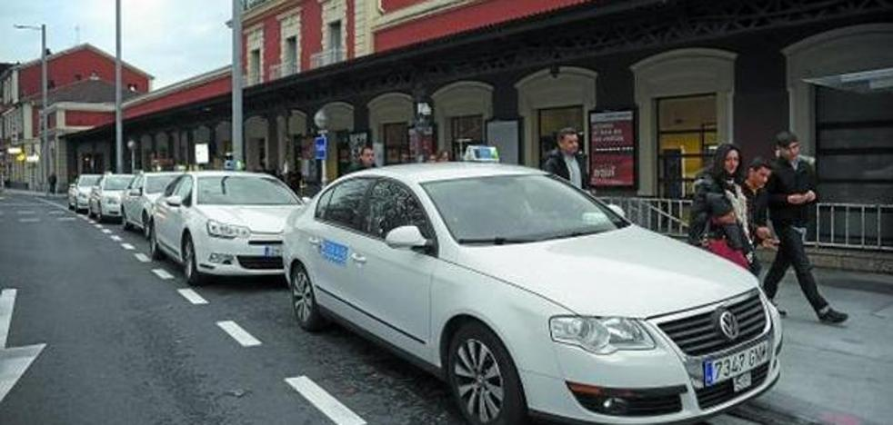 Los taxistas guipuzcoanos se suman a la huelga estatal contra las licencias de Uber y Cabify