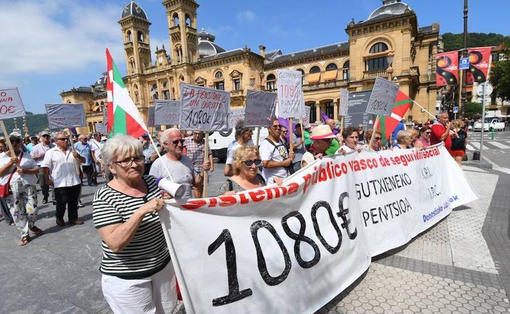 Marcha de los pensionistas en Donostia