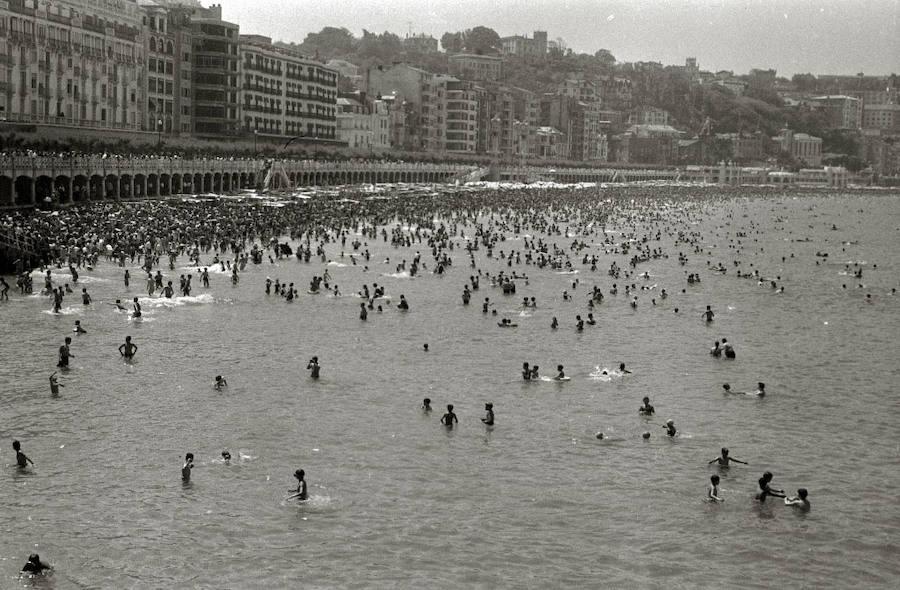 «No más bañistas», que «no cabemos» en la playa