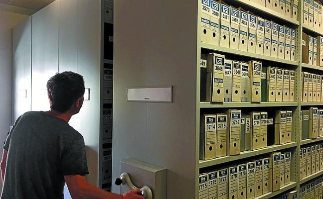 Nueva iluminación de fachada y ampliación de capacidad en los archivos del Ayuntamiento