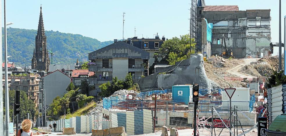 Autorizan al hotel de San Bartolomé a tirar y reconstruir los muros derruidos de la iglesia