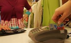 Cinco años de cárcel a un camarero que duplicó la tarjeta de una clienta