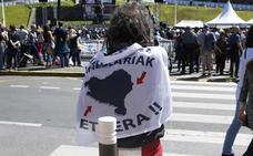 Los gobiernos central y vasco se reafirman en acercar a los presos pese a la oposición del PP