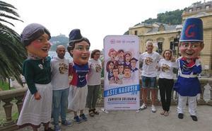 Gigantes y cabezudos solidarizan con los niños afectados por el cáncer