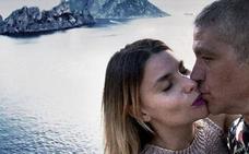 Gustavo González y María Lapiedra, románticas vacaciones en Ibiza