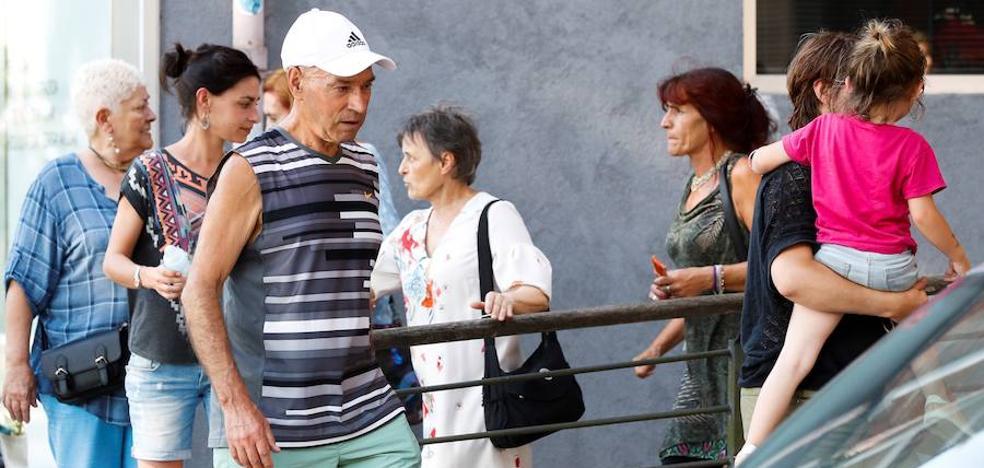 Víctimas reprochan al Gobierno que no les informara de la salida de 'Santi Potros'