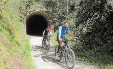 En agosto y septiembre, paseos guiados en bicicleta por la Vía Verde del Plazaola