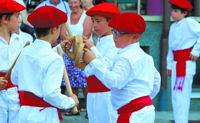 Xanisteban festa ederrak Oiartzunen