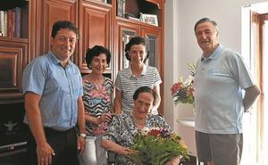 María Nieves Ochoa de Angiozar ha cumplido 106 años