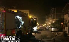 Extinguido un incendio en un hotel abandonado en Deba