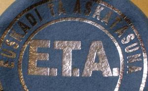 Una web japonesa vende 'txapelas' con el sello de ETA por 80 euros