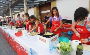 Los jóvenes toman la cocina