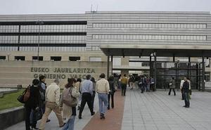 Euskadi, entre las comunidades con menor tasa de funcionarios