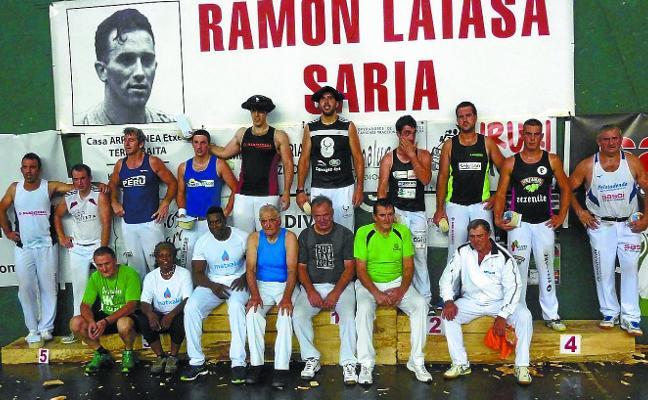Atutxa vuelve a calarse la txapela del Memorial Ramon Latasa, esta vez junto al debutante 'Txikia'
