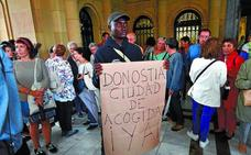Las instituciones defienden que la acogida a migrantes en tránsito se está cumpliendo