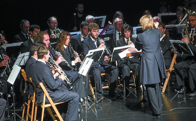 Gipuzkoa plaza acoge el concierto de verano de la Banda de Música