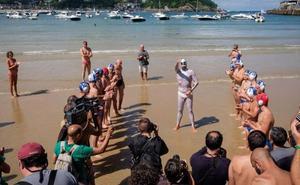 25 horas nadando sin parar, el desafío solidario de Caballero
