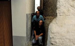 La calle más estrecha de España