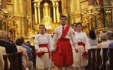 Baile de espadas en Zumarraga ante la Virgen