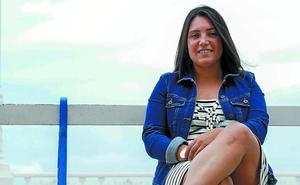 Irati Borda: «Aunque no se me vea, presento los fuegos con el pañuelo puesto»