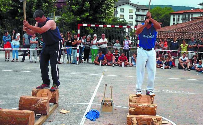Final del campeonato navarro de aizkora en Ezkurra y eliminatoria en Arantza el viernes