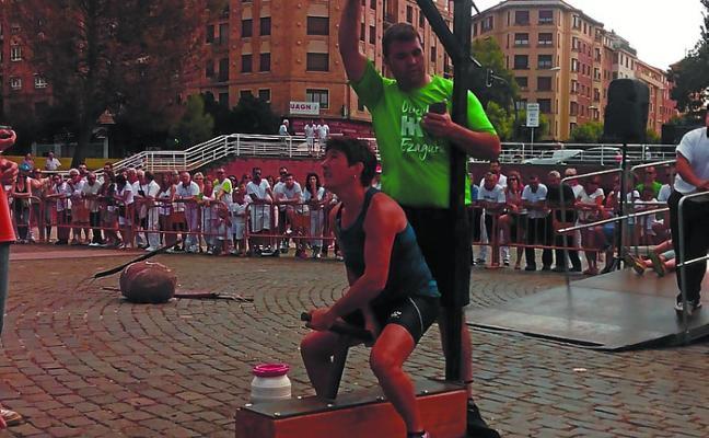 Maika Ariztegi, campeona de levantamiento de yunque de Euskal Herria