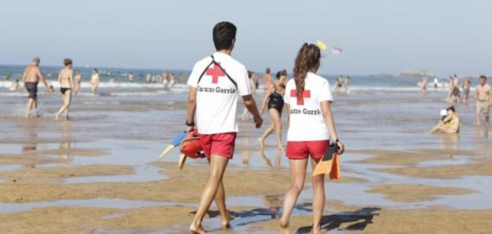 Los socorristas de las playas de Gipuzkoa desconvocan la huelga