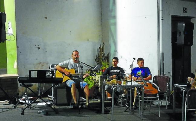 Rock and roll hoy en el jardín de Pilarrenea
