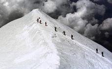 «Kalekumeek jolas-parke bilakatu dute Mont Blanc»