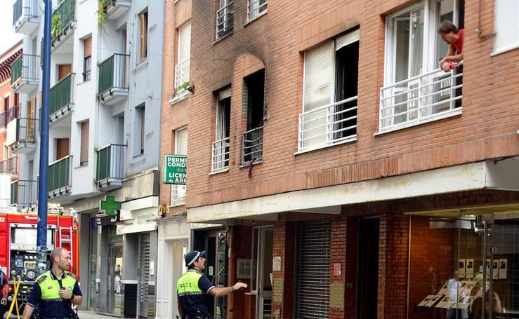 Arde una vivienda en el centro de Errenteria