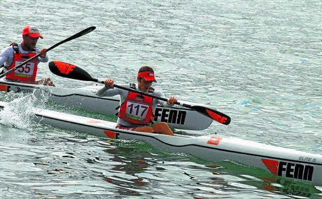Triunfo de Aritz Araneta en kayak de mar
