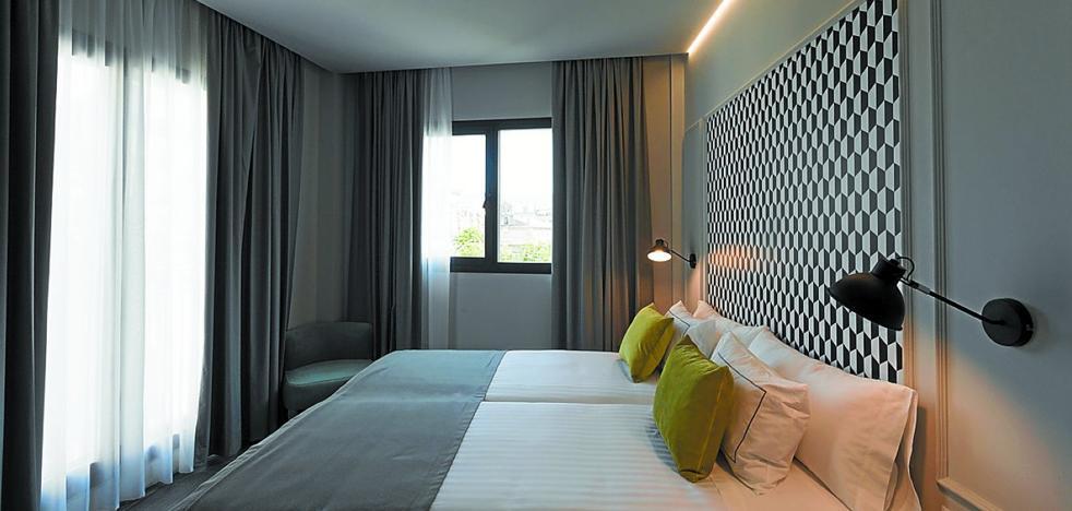 Intur abre hoy un hotel de 34 habitaciones en la calle San Bartolomé
