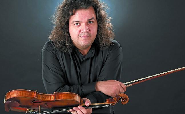 Jozsef Lendvay: «Mi padre, que es violinista de folk húngaro, es mi ídolo y me ha influido totalmente en mi manera de tocar»