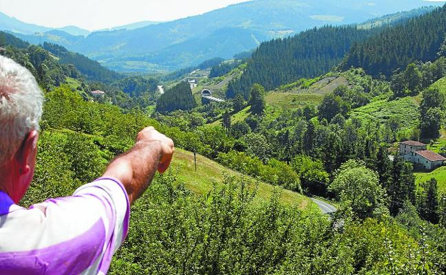 El nudo de Bergara del TAV empieza a atar los 5 kilómetros que parten desde Angiozar