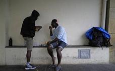 La atención a migrantes de paso en Irun se concentrará en un mismo recurso