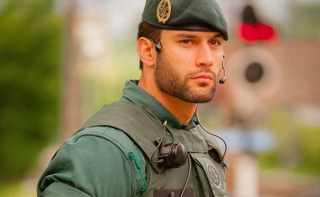 agente-guardia-civil-kyEB-U608036410041kG-624x385@Diario%20Vasco.jpg