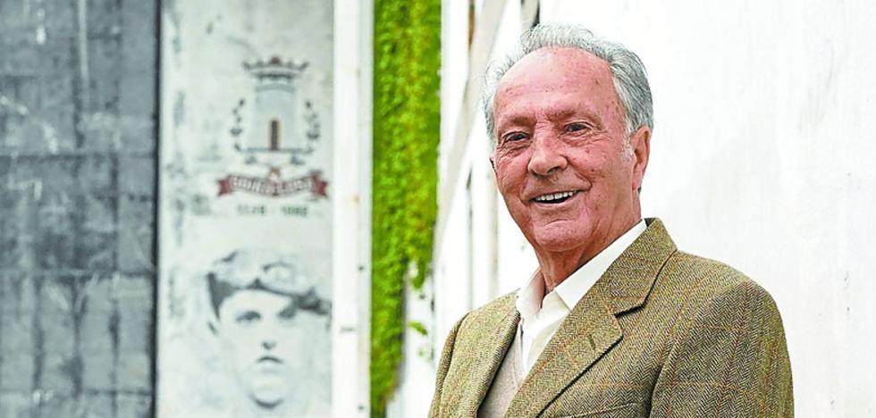 Luziano Juaristi 'Atano X' (Campeón manomanista en 1966 y 1968): «A pelota no hay que jugar bonito, sino rápido»