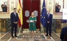 Sánchez: «A la Constitución se la honra cumpliéndola y haciéndola cumplir»