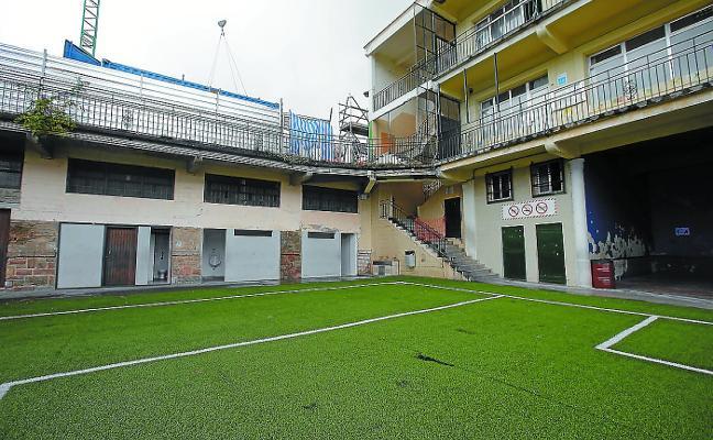 Summa Aldapeta entra en conflicto con la constructora del nuevo colegio