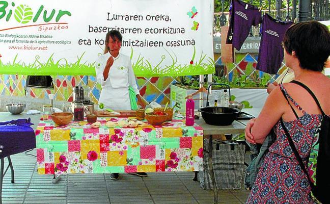 El Mercado Ecológico llenó la alameda de Gamón de productos sostenibles