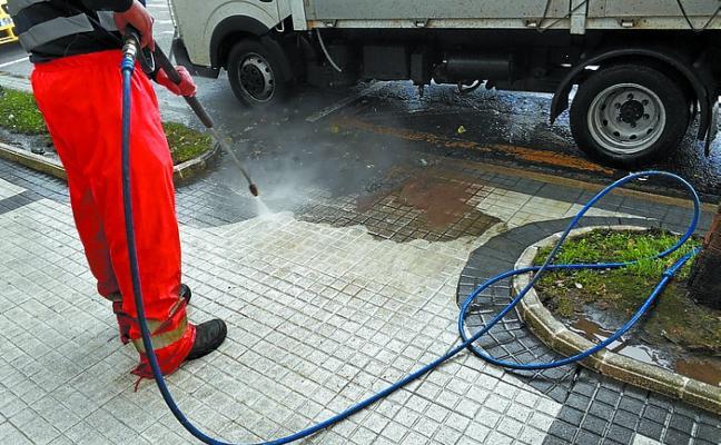 Trabajos de limpieza para evitar resbalones