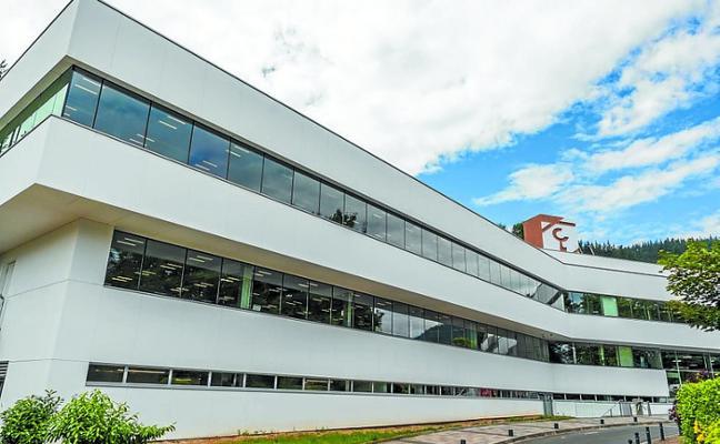 Laboral Kutxa estrena una sede más sostenible tras su rehabilitación energética
